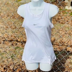 Women's White Nike Cutout Back Tank Size Small